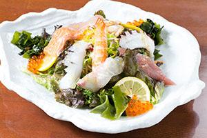 海鮮サラダ(850円)